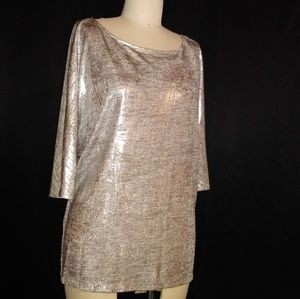 New with tags* Pretty metallic top